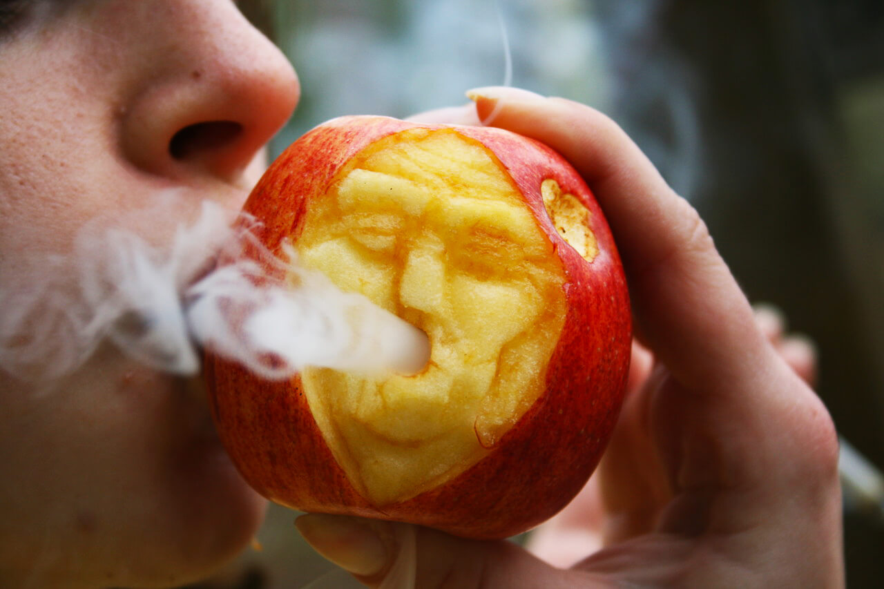 homemade-pipe-apple